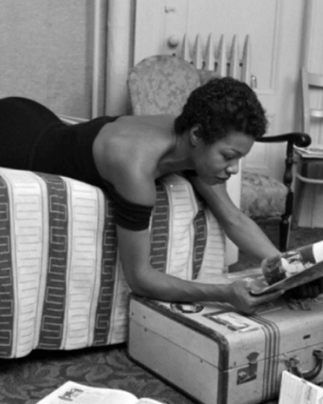 Maya Angelous skrivrutiner: anteckningsblocket, Bibeln & sherryflaskan i hotellsängen